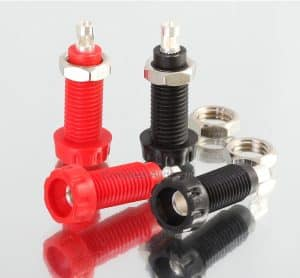 DELTRON 4mm PANEL SOCKETS Red Black